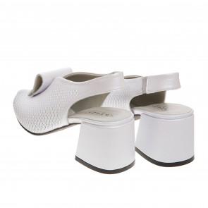 Босоножки на удобном каблуке Phany
