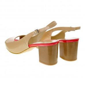 Босоножки на среднем каблуке Guero