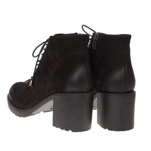 Ботинки на устойчивом каблуке Damla
