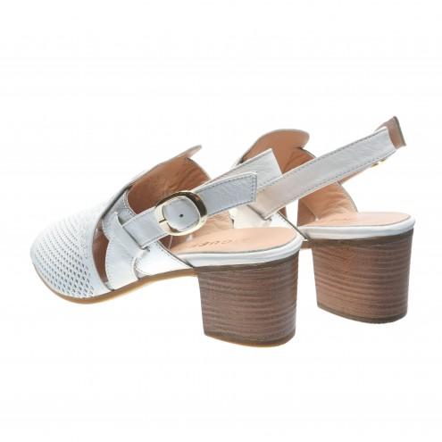 Босоножки на удобном каблуке Guero