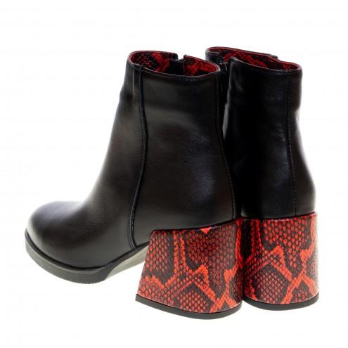 Ботинки на удобном каблуке Kluchini