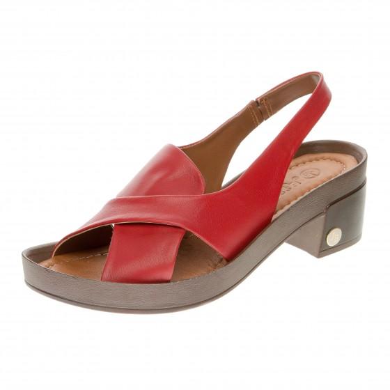 Босоножки на низком каблуке Jessibella